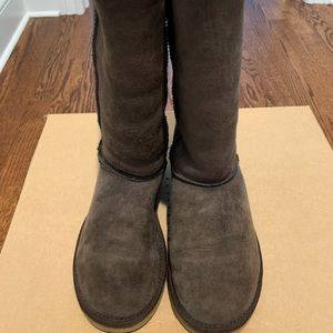UGG Women's Classic Tall Boot in Brown Size 7